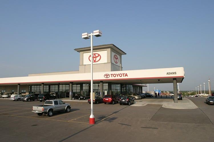 Adams-Toyota-Lees-Summit-Sign-On-Building