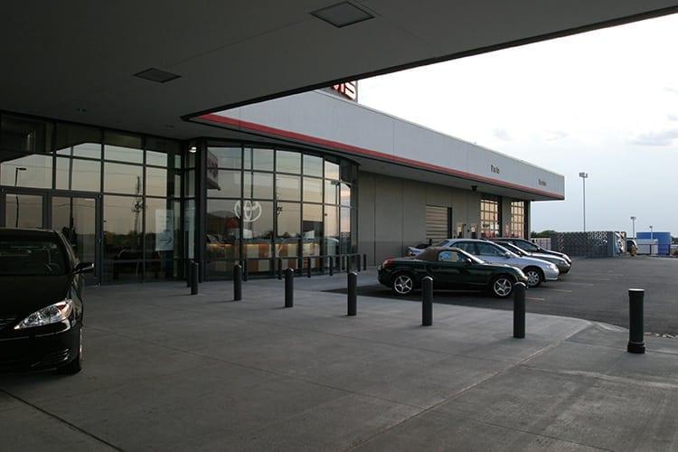 Adams-Toyota-Lees-Summit-Showroom