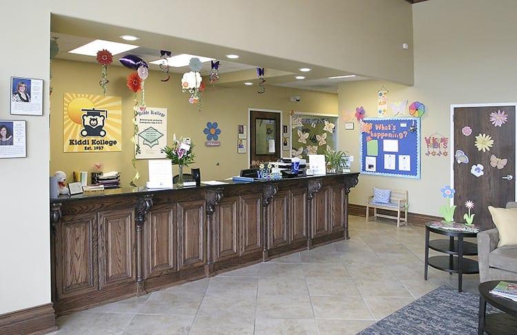 Kiddi-Kollege-Antioch-Lobby-Front-Desk