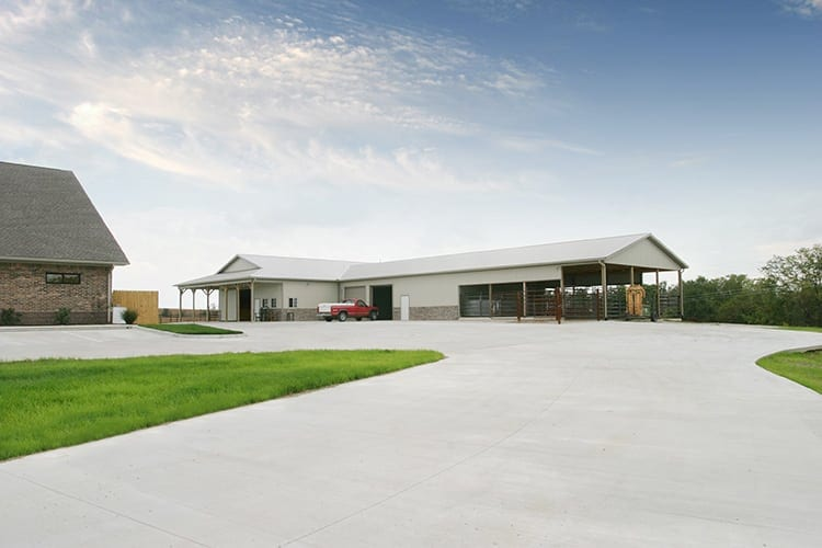 renfro-veterinary-clinic-large-animal-building