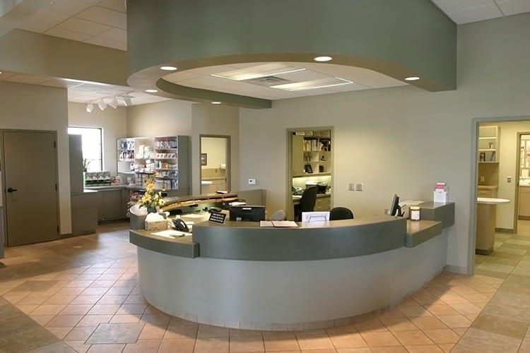 renfro-veterinary-clinic-reception